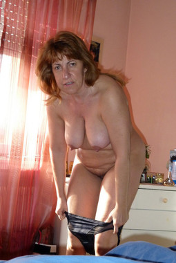 Totally naked mature women with great..