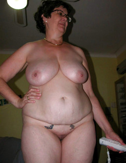 Chubby MILFs sunbathing naked,..