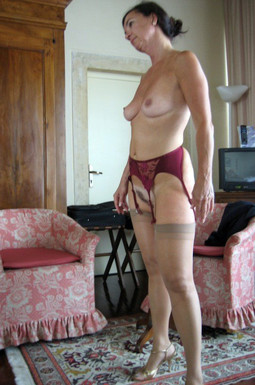 My new mature cleaning woman works nude