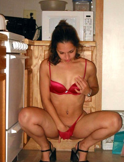 Sex starved housewife shows off all..