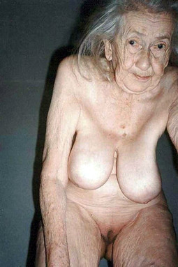 Naked grannies with flabby skin in..