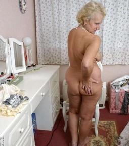 Absolutly naked GRANNIES GOT BACK!