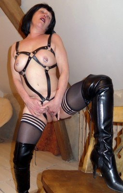 Amateur mature woman in hot homemade..