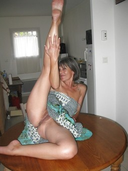 Hot UK Milfs and ex-wives, real..