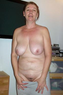 Floppy mature tits, private pics