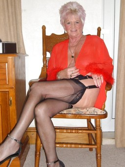 Mature sub slut from Berkshire looking..