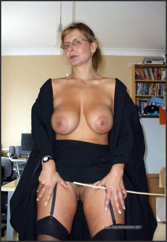 Sarah hyland naked pics