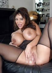Asian milf pornstar nude