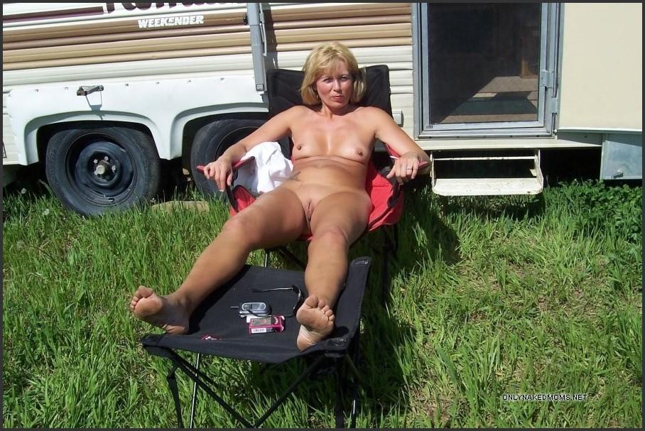 Lesbian grannies seduce girls