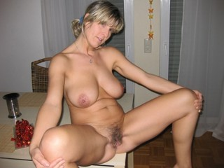 Blond mom ass hanging out